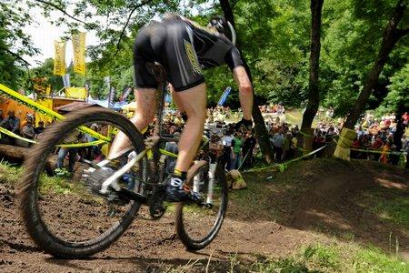080525 GER Heubach men schoen downhill backview spectators